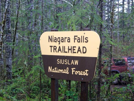 Niagara Falls Trail3