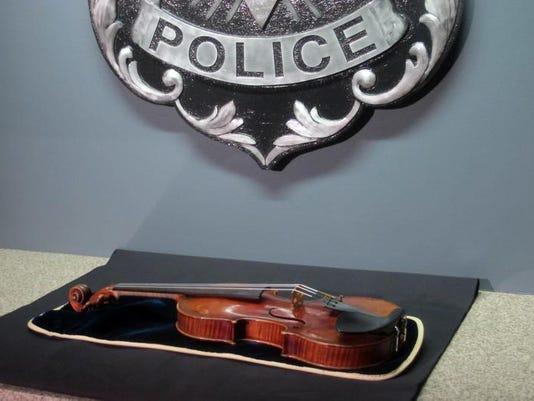 635512163592084073-violin