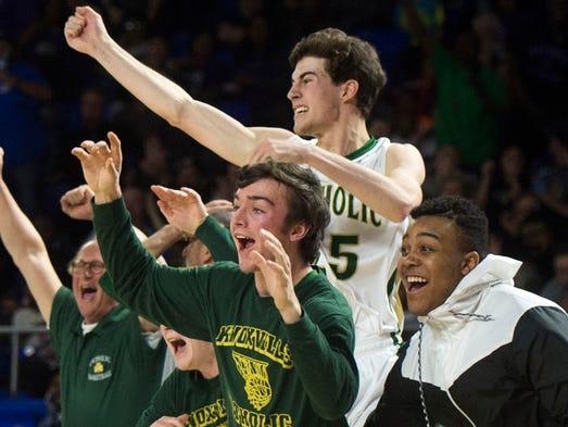 Knoxville Catholic players react to Catholics Luke