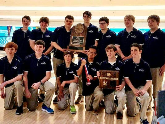 636207693962218961-Boys-Bowling-State-Champions.jpg