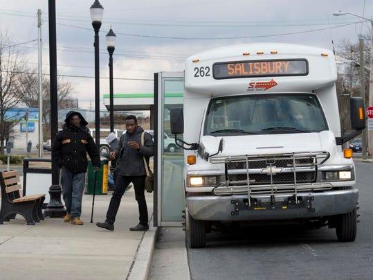 le- Shore Transit 2461.jpg