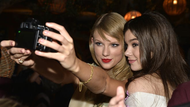 Taylor Swift and Hailee Steinfeld in September 2013.
