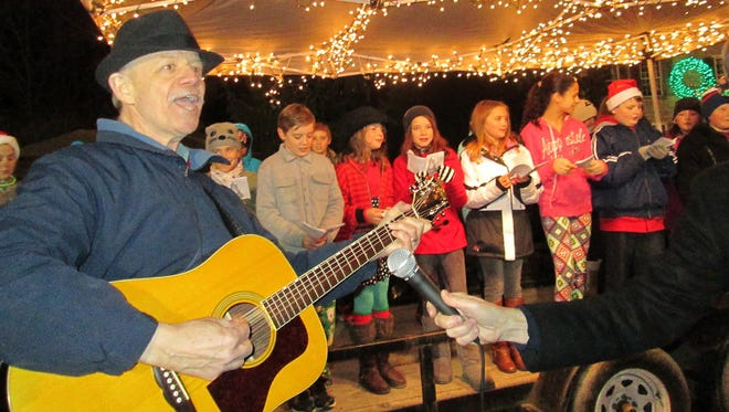 Songs of the season will be sung during the annual tree-lighting celebration in High Falls Saturday.