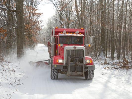 Clearing snow_01.jpg