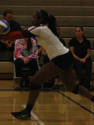 Rayna Yetts executes a pass during a match earlier last week.