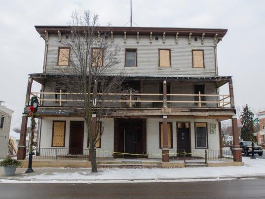 PTH0110 CADILLAC HOUSE