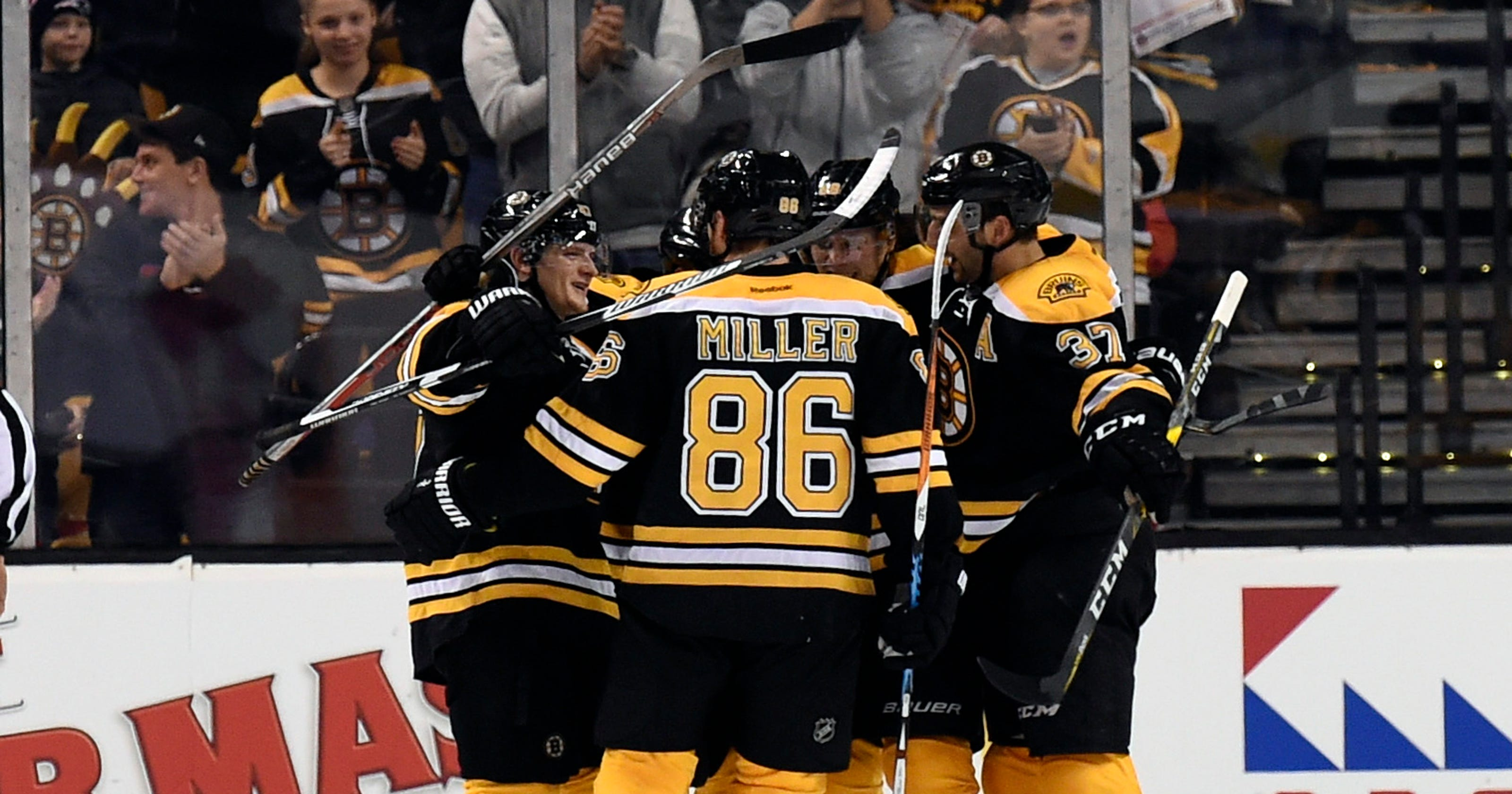 0fb2e2a3c6fa6 David Pastrnak s goal gives Bruins 4-3 OT win over Panthers