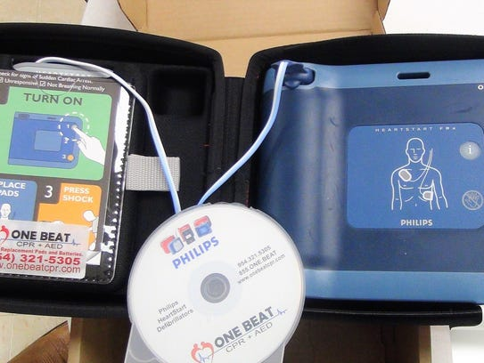 AED Presentation 2 – AED Device Open Case