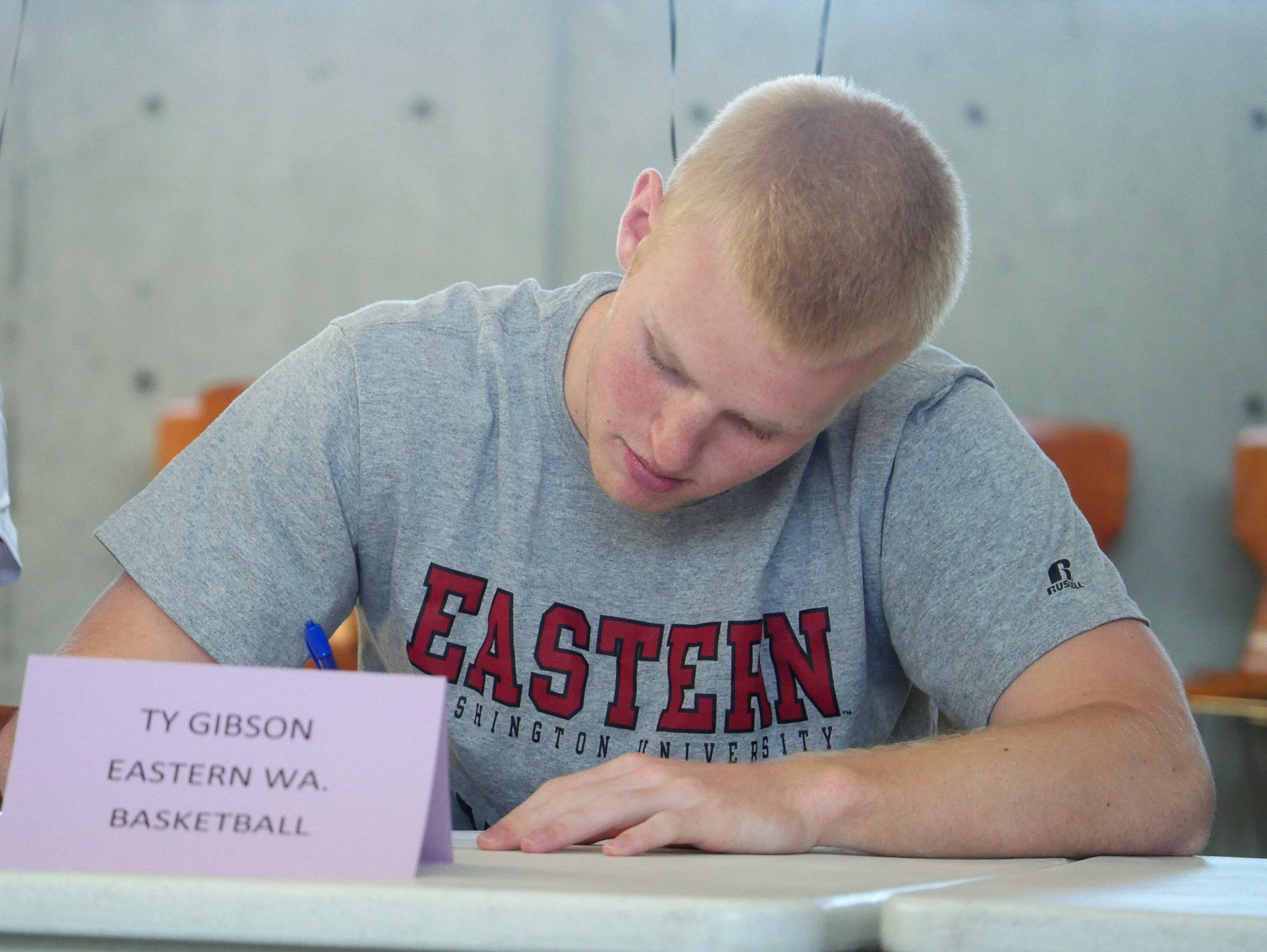Issaquah's Ty Gibson signed to play basketball at Eastern Washington.
