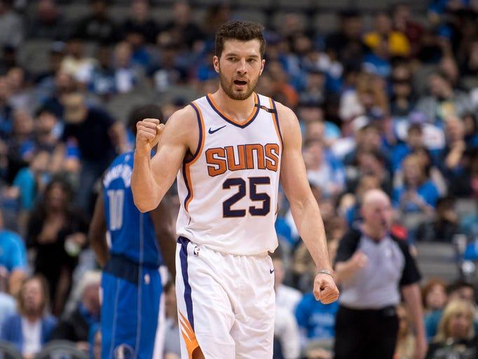 Apr 10, 2018; Dallas, TX, USA; Phoenix Suns forward