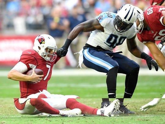 Titans linebacker Brian Orakpo (98) sacks Cardinals