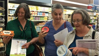Participants in UCHealth's Diabetes Prevention Program take a field trip to the grocery store to learn tricks to purchasing healthy foods.