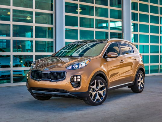 review 2017 kia sportage adds flash to compact suv. Black Bedroom Furniture Sets. Home Design Ideas