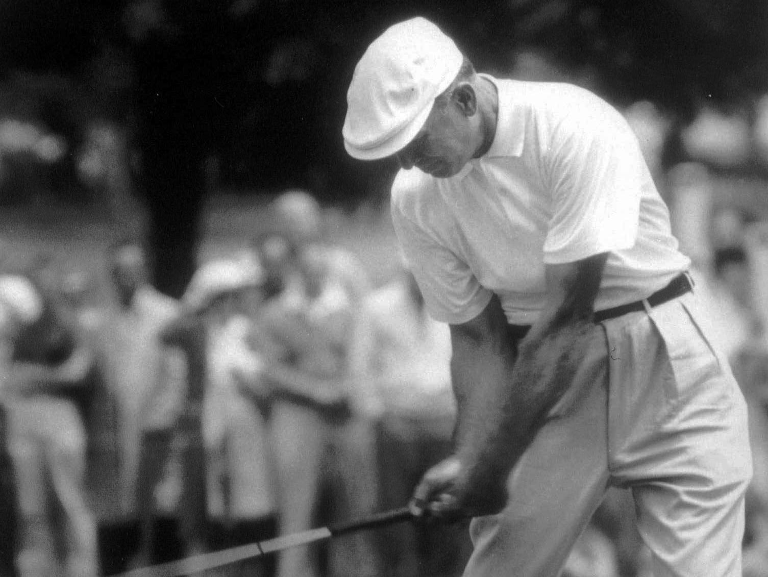 Jules Alexander went to Winged Foot during the U.S. Open in 1959 where he captured iconic images of Ben Hogan. Alexander died Friday a week after falling at home in Rye.
