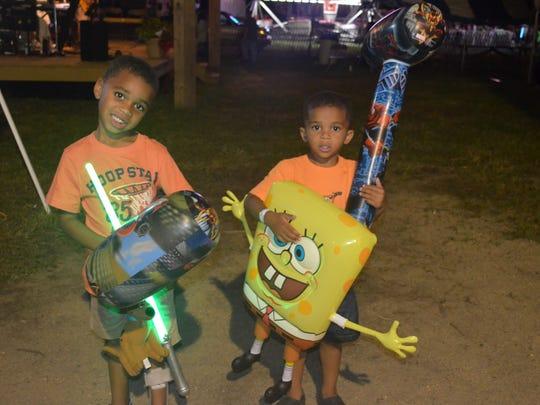 Photos/Jodi Streahle  Cousins Joziah Campbell, 5, and