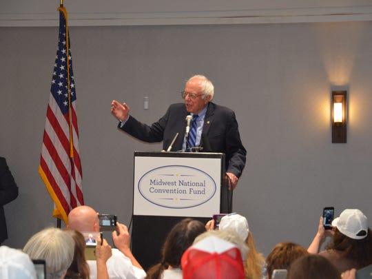 Vermont Sen. Bernie Sanders speaks to Tennessee delegates