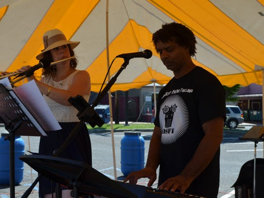 Suzanne Ackley and Ian Goode of American Dreamers performed during CrabFest on the Bridgeton Riverfront. Photo/Jodi Streahle