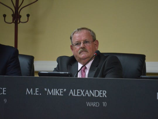 Mike Alexander at the city council regular session