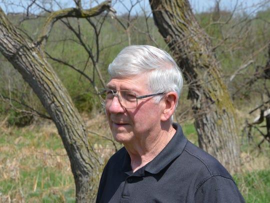 Larry Holcomb.