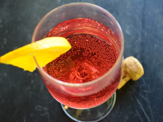 This Cran-Orange Moscato Cocktail only has a few ingredients