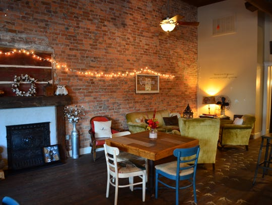 The atmosphere and food at Common Grounds Coffee in