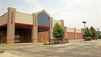 Big-box retailers say their stores should be assessed based on the prices commanded by vacant stores, such as this former Lowe's at 5800 W. Hope Ave. in  Milwaukee's Midtown Center.