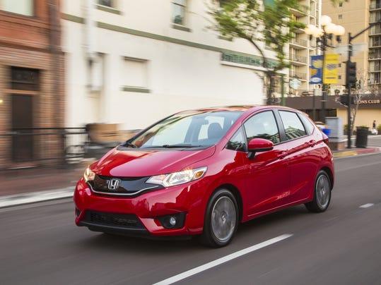XXX_2015-Honda-Fit-09