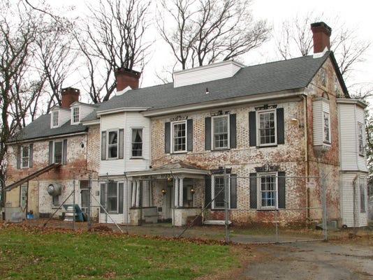 636214027049529682-White-Hill-Mansion.jpg