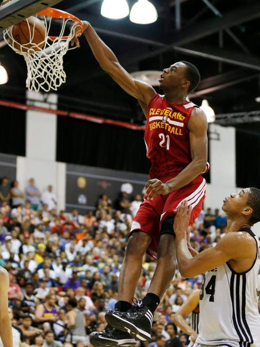 Cavaliers Wiggins Bas_Wald.jpg