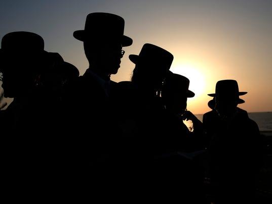 Mideast Israel Yom Ki_Demk.jpg