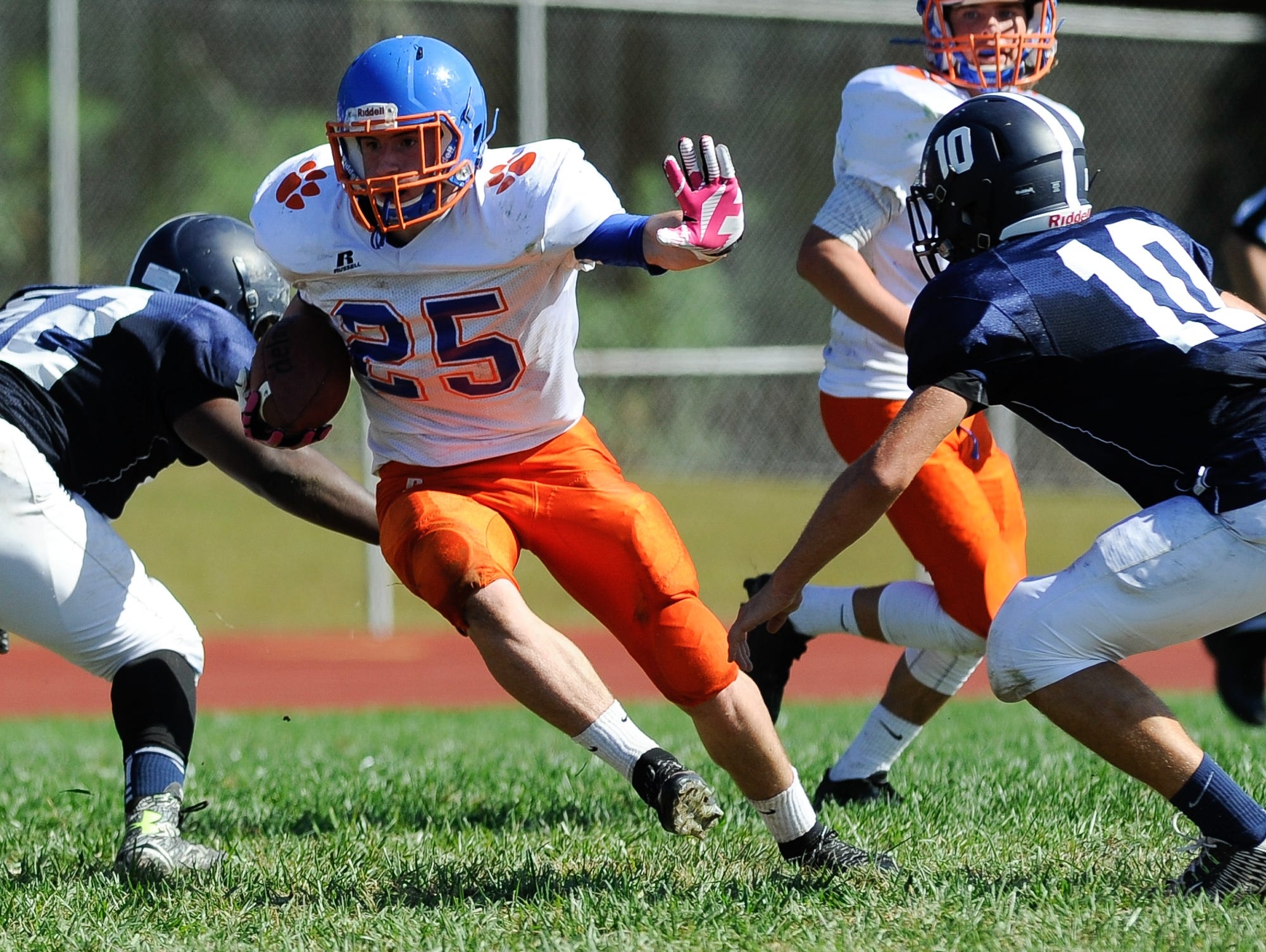 Delmar's #25 Isaac Austin runs the ball for a touchdown in their game against Lake Forest on Saturday at Lake Forest High School.