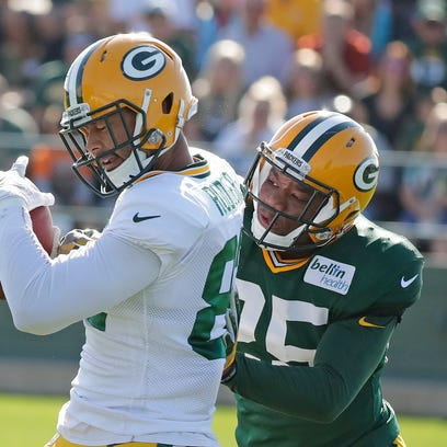 Green Bay Packers tight end Richard Rodgers (82) makes