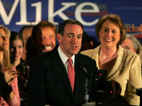 Former Arkansas governor Mike Huckabee speaks to supporters