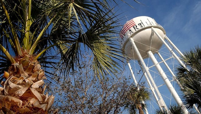 Architect-planner Andres Duany, in his original recommendations to the city, suggested the Stuart Water Tower be retained but painted a pale green. After a storm of protest in 1991, the tower has kept its American flag motif.