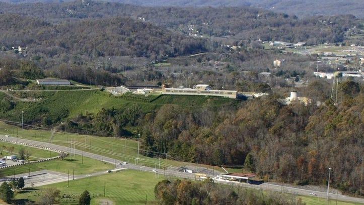 Oak Ridge considers legal action over 2-mile transmission line