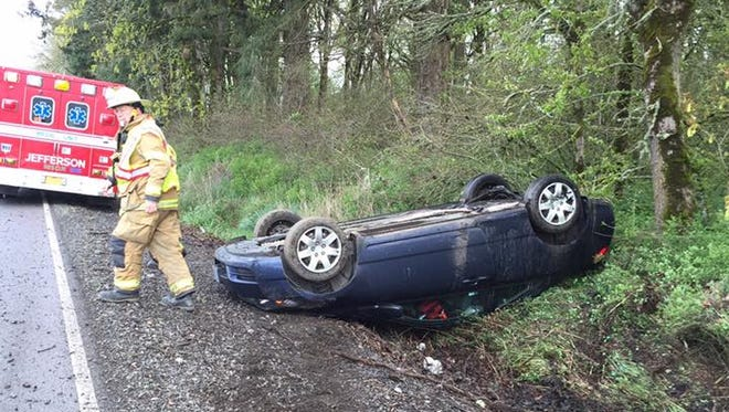 A crash closed the northbound lane of Highway 99E north of Jefferson.
