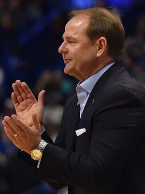 MTSU coach Kermit Davis claps during the first half against Michigan State on Friday in St. Louis.