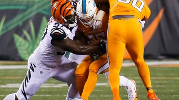 Dolphins' depleted offensive line pushed around in 22-7 loss