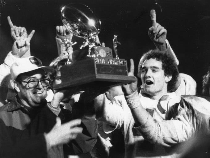 Webb High SchoolÕs Ron Gratz and Roy Alexander celebrate