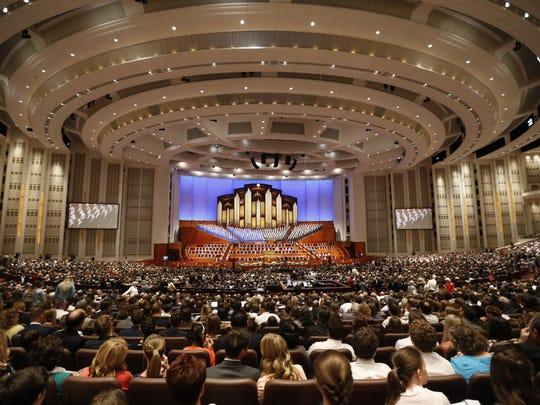 Mormon Conference (3)