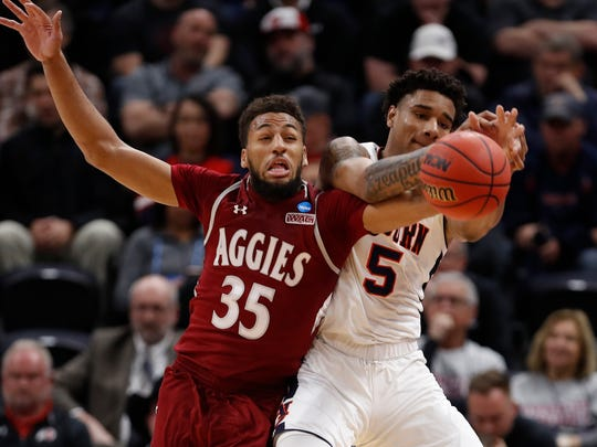 NNCAA_New_Mexico_Auburn_Basketball_57377.jpg