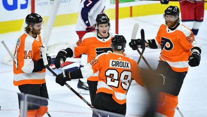 Nolan Patrick, center, and the Flyers are in a good spot ahead of Monday's trade deadline.
