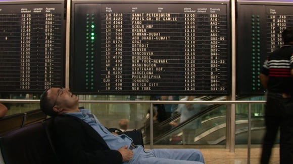 10 tips for sleeping (and sleeping well) in an airport