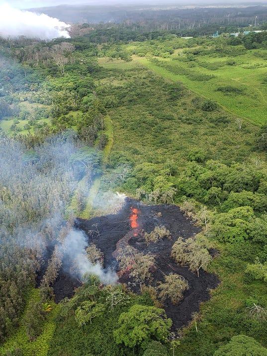 2 more fissures open around Hawaii volcano