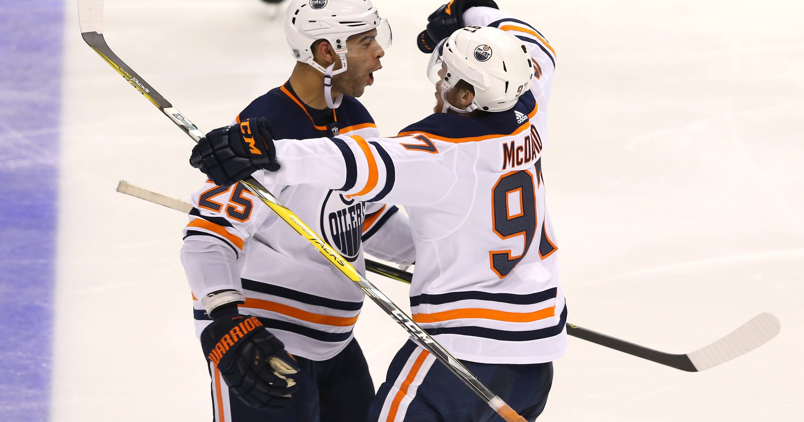 aad2b0757 Connor McDavid has another big game as Oilers rally