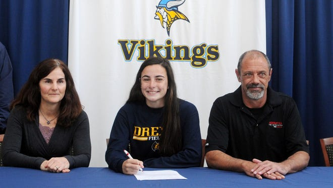 Cape Henlopen's Tess Bernheimer signs her national letter of intent to play field hockey at Drexel.