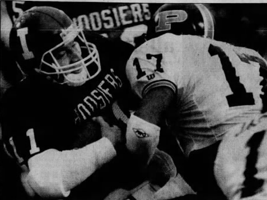 Indiana QB Dave Schnell sneaks in for a touchdown despite
