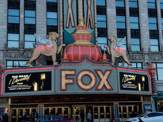 636433440806705519-Big-Sean-at-the-Fox-The-3-.JPG