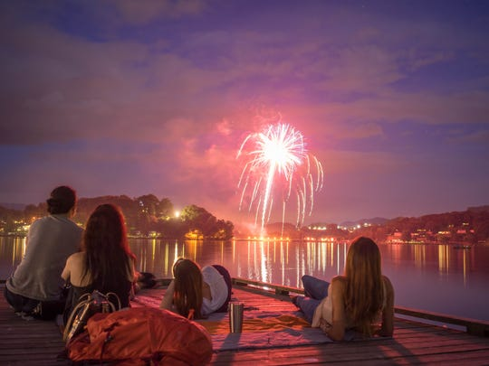 There are few more scenic locations to watch July 4