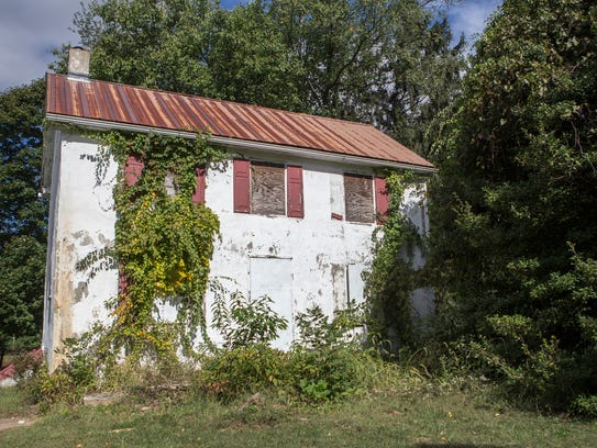An abandoned building in Jester Park sits empty on